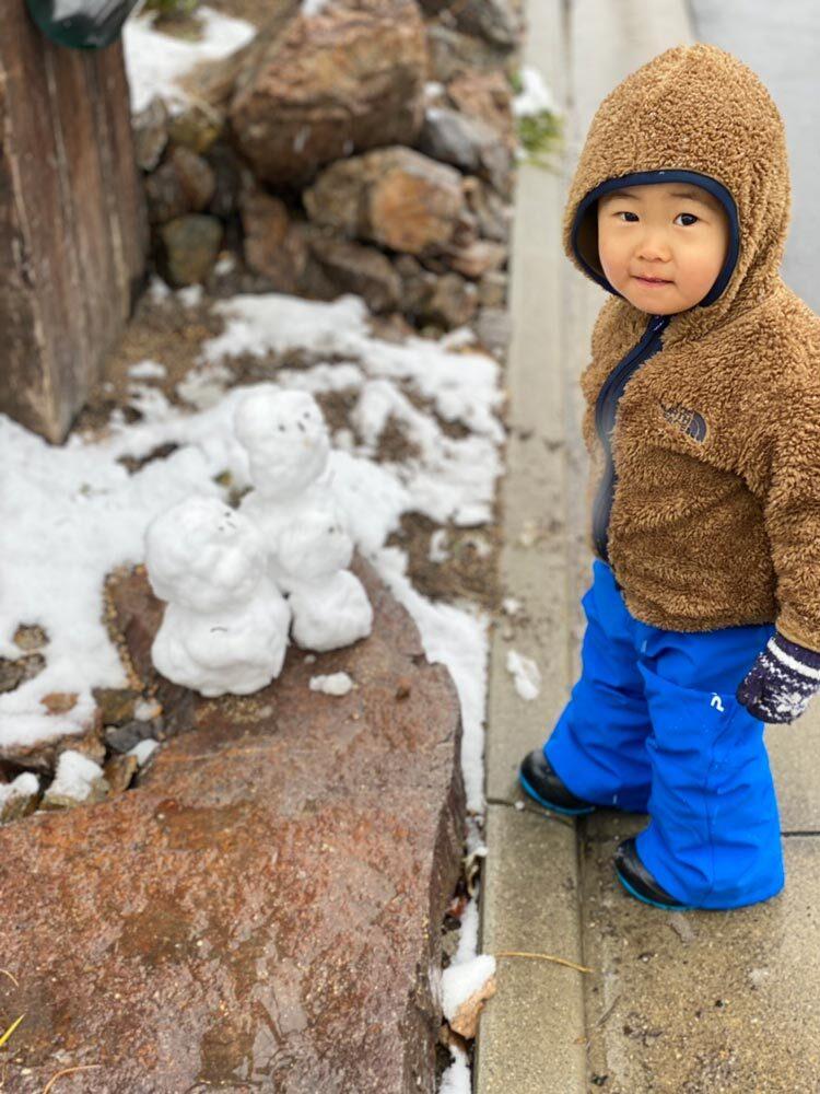 子供+雪だるま