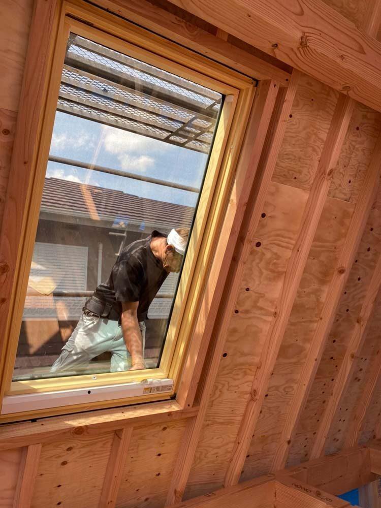 屋根裏部屋 天窓